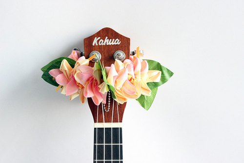 ribbon lei for ukulele,yp crocus,ukulele strap,ukulele ribbon,uke,hawaiian lei