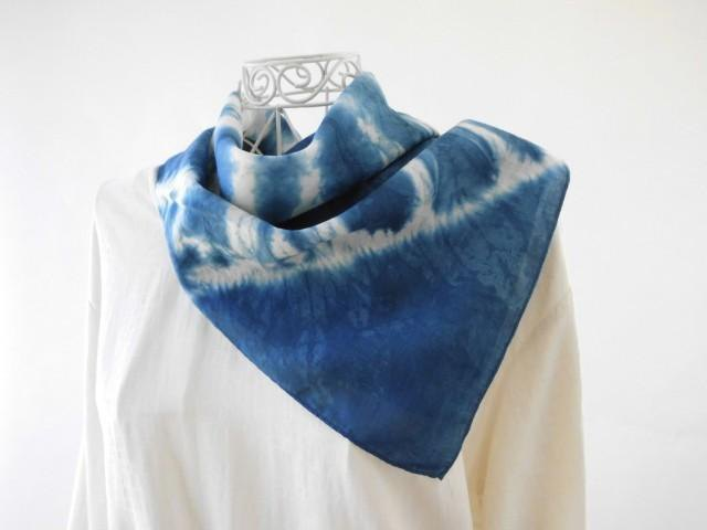 5_ Indigo dyeing of microfine linen Bandana (natural indigo · tie dye) limited item
