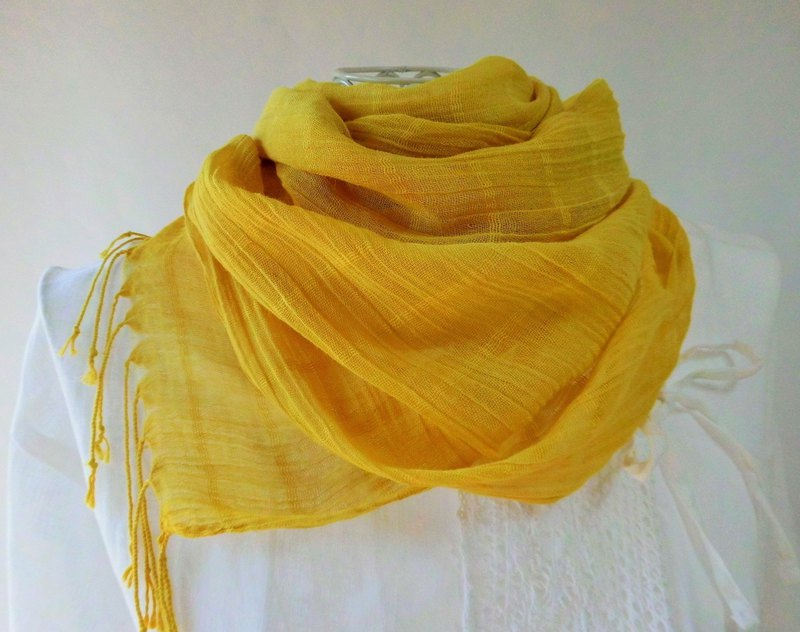 Plant-dyed, light-weight cotton, long stall, rapeseed color, enju dyed