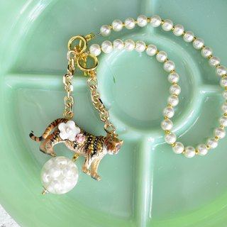 TIMBEE LO Tiger Embellished Flower Crystal Decoration Large Pearl Charm Plated 18K Real Gold Necklace Separate