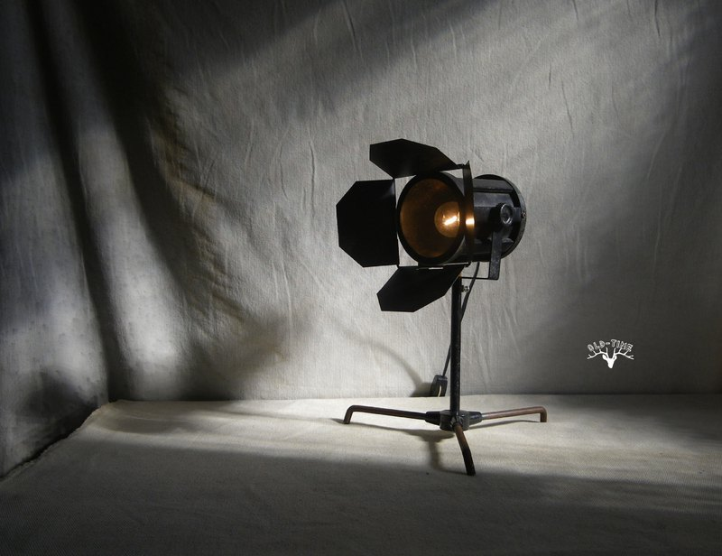 [OLD TIME] Early Taiwan-made photography projection lamp modeling table lamp*IAN subscript only*