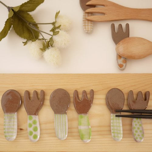 Cutleryrest of spoon and fork 【Yellow green】