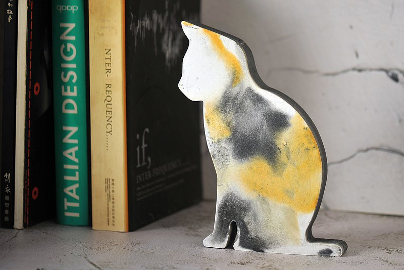 Cement cats, decorations, bookends, decorations, ornaments