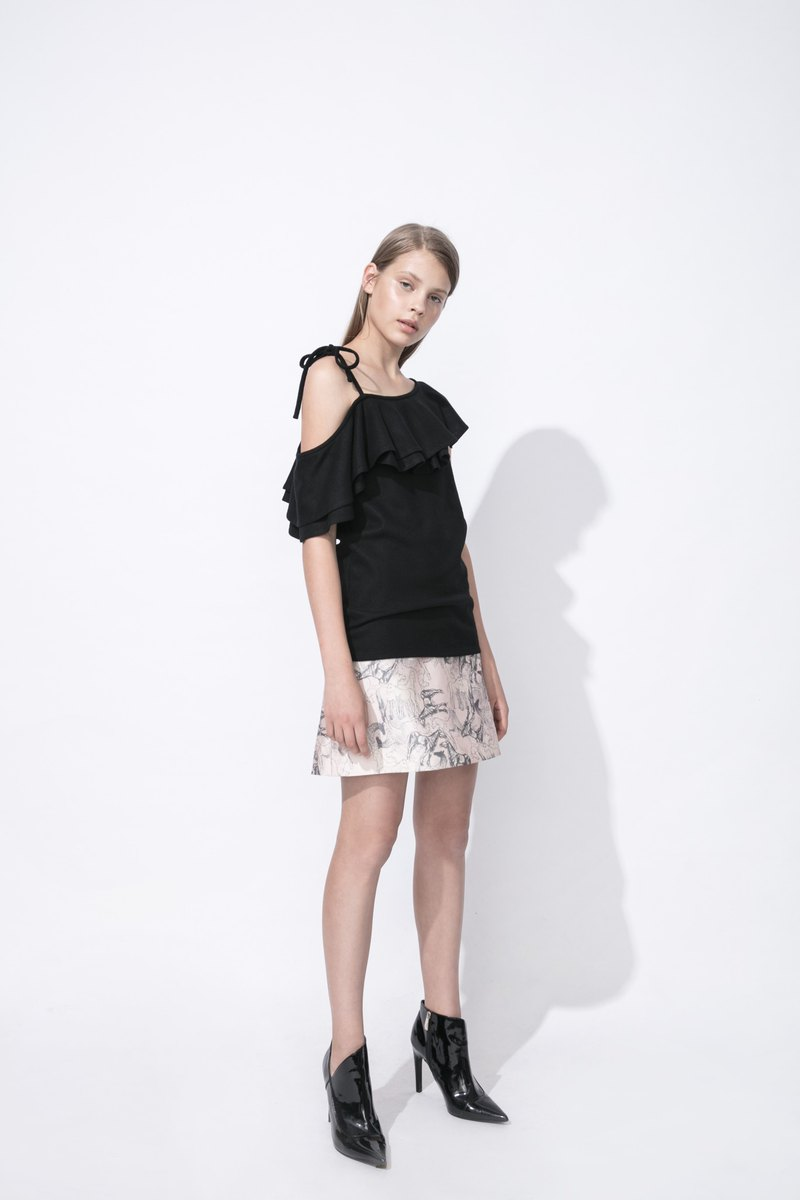 PH asymmetric flounce wool top