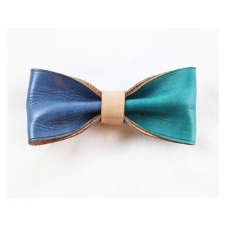 Clip on vegetable tanned leather bow tie - Blue / Green color