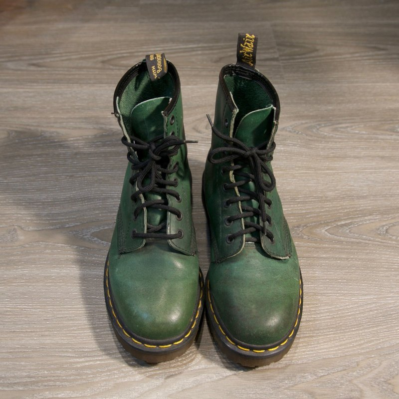 Back to Green:: Dr.Martens  //MADE IN ENGLAND// vintage shoes (SE-06)