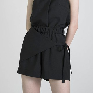 Longing 憧憬 pleated shorts _8SF203_ black