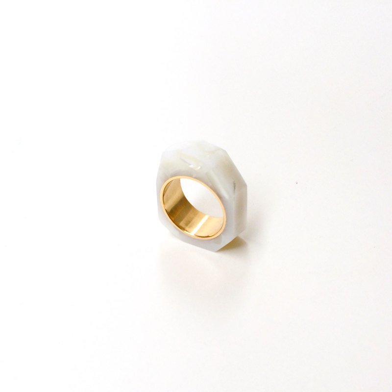 PRISM ring mother of pearl white