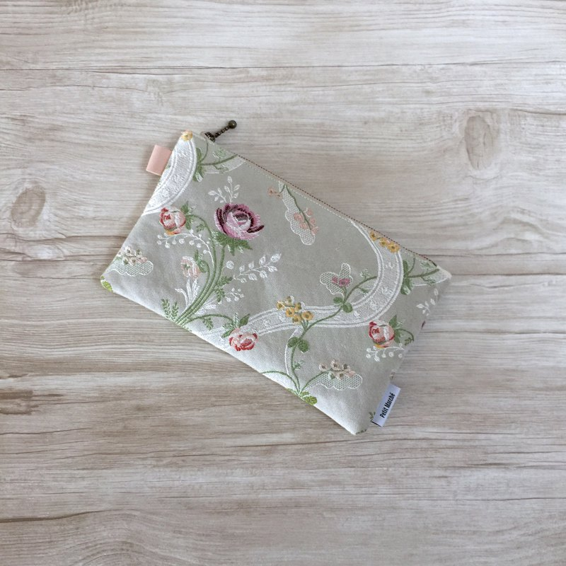 Floral pouch made of Austrian vintage fabric