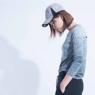 Aine ann / progressive yarn blouse - gradient gray