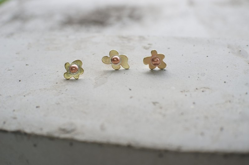 Small flower series - small flower ear earrings