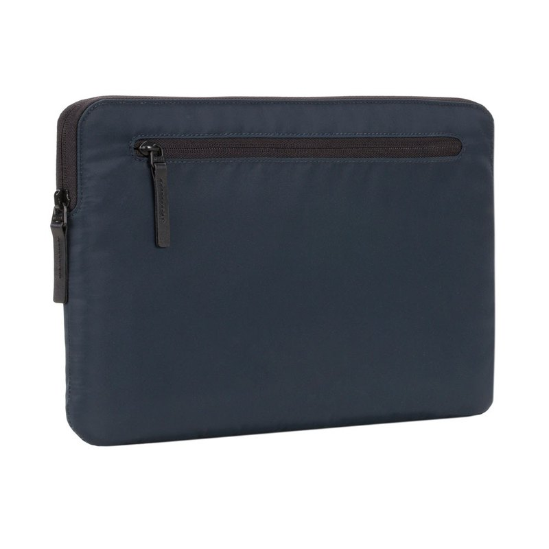 "Compact Sleeve in Flight Nylon for MB Pro 13"" (USB-C) & Retina - Navy"