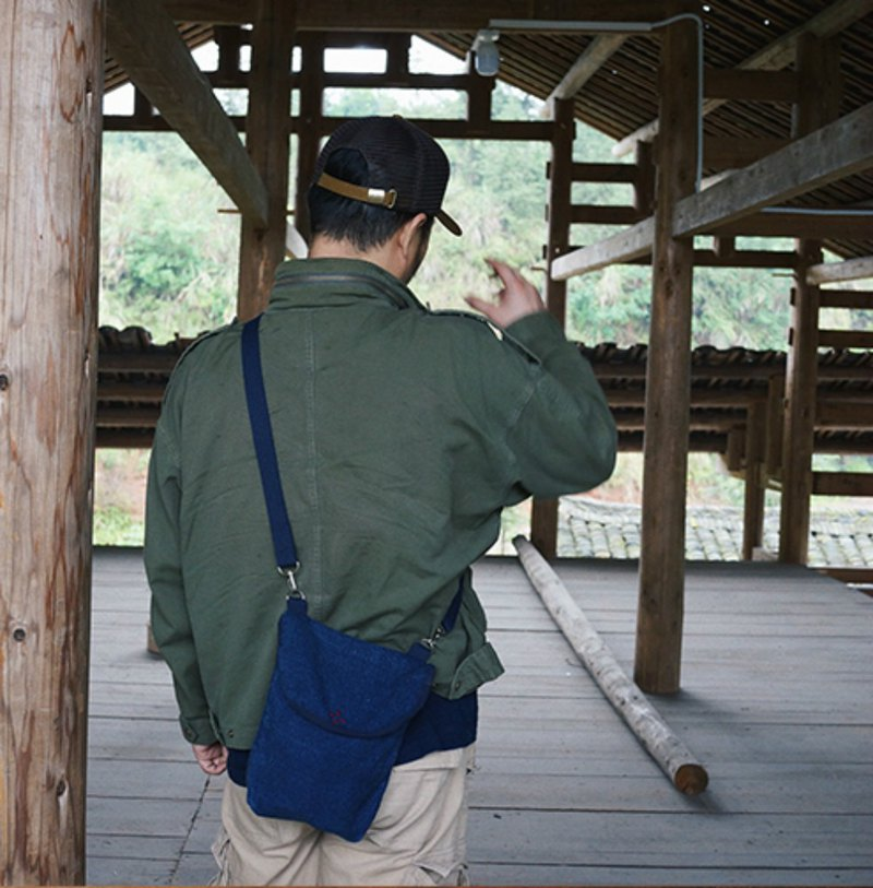 重磅藍靛染 藍靛染織布 背帶可調節 單肩斜挎隨行小背包側背包