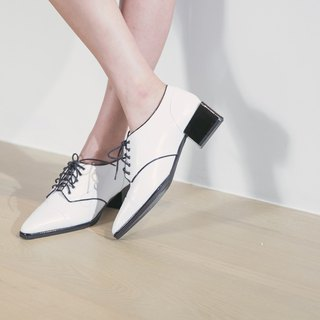 Jump color retro square leather heel shoes white