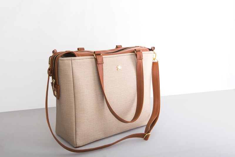 **Welfare goods clear**CLM will double buckle bag - apricot