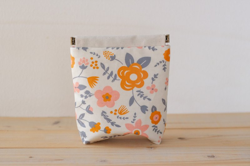Pouch, Cosmetic pouch, Ditty bag  No.44