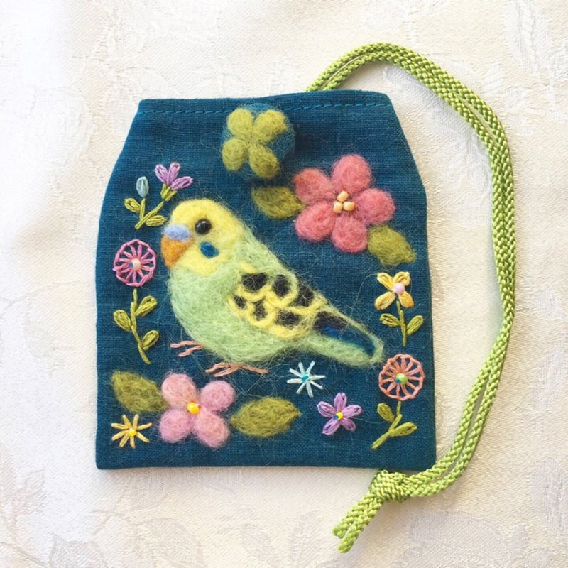 amulet bag of budgerigar