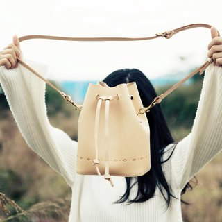 [Cut line] bucket bag pure hand sewing tanned leather leather shoulder bag carved shoulder bag square bottom