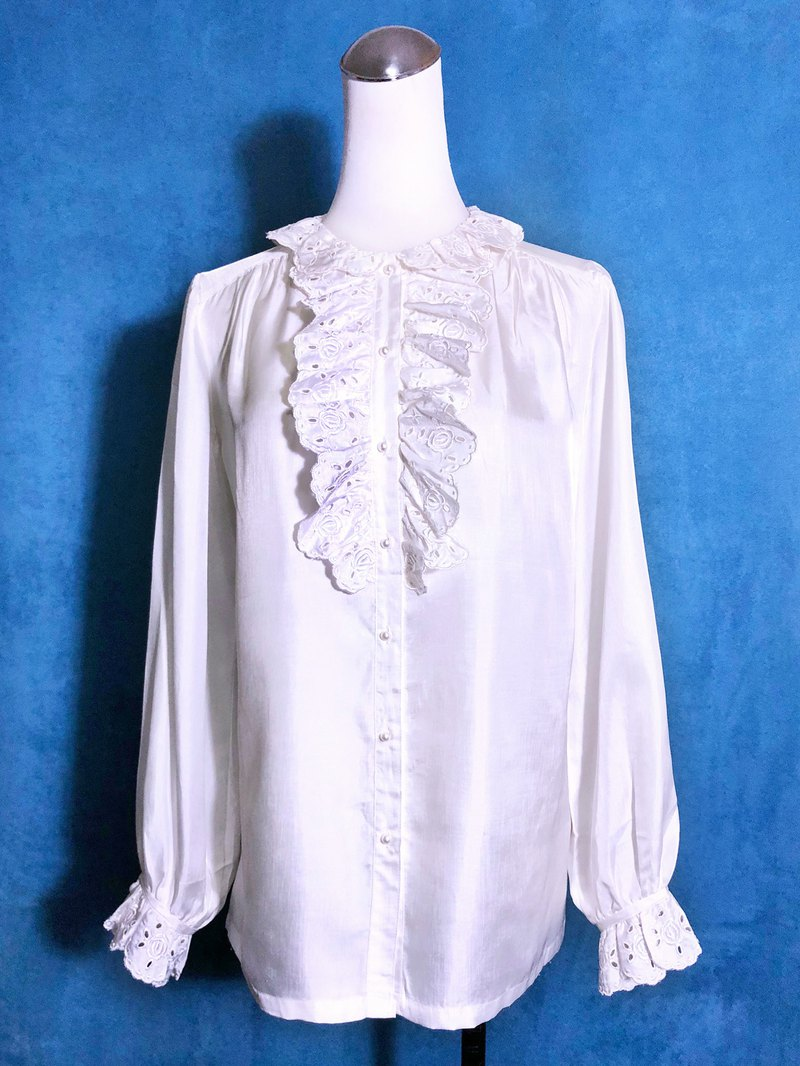 Rose Embroidered Ruffled Long Sleeve Vintage Shirt / Brought Back abroad VINTAGE