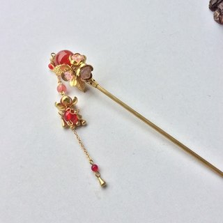Meow hand ~ red agate beads hairpin