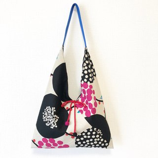 Double-sided imported cloth-shaped shoulder bag / large size / black big round + black dot
