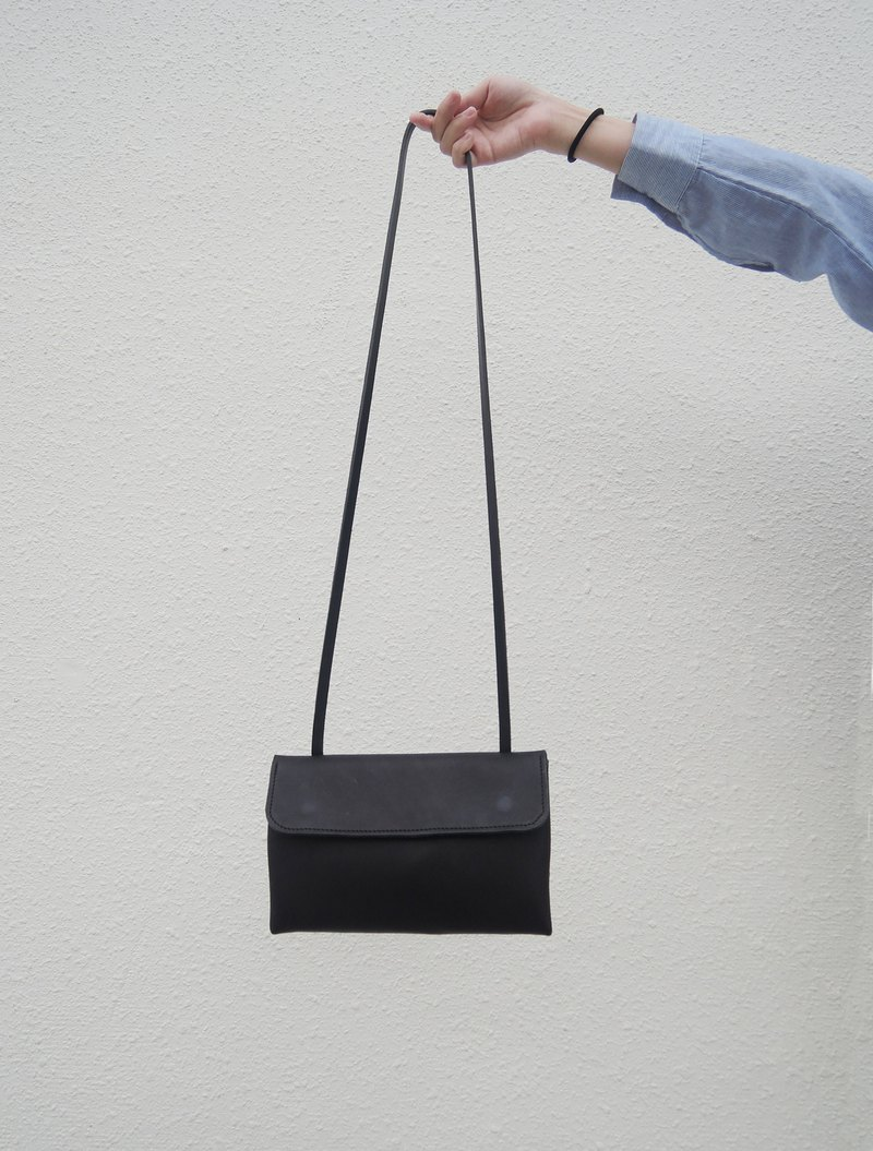 【ワークショップ】Triangle three-dimensional side backpack hand-made leather experience course [1 person into a group]
