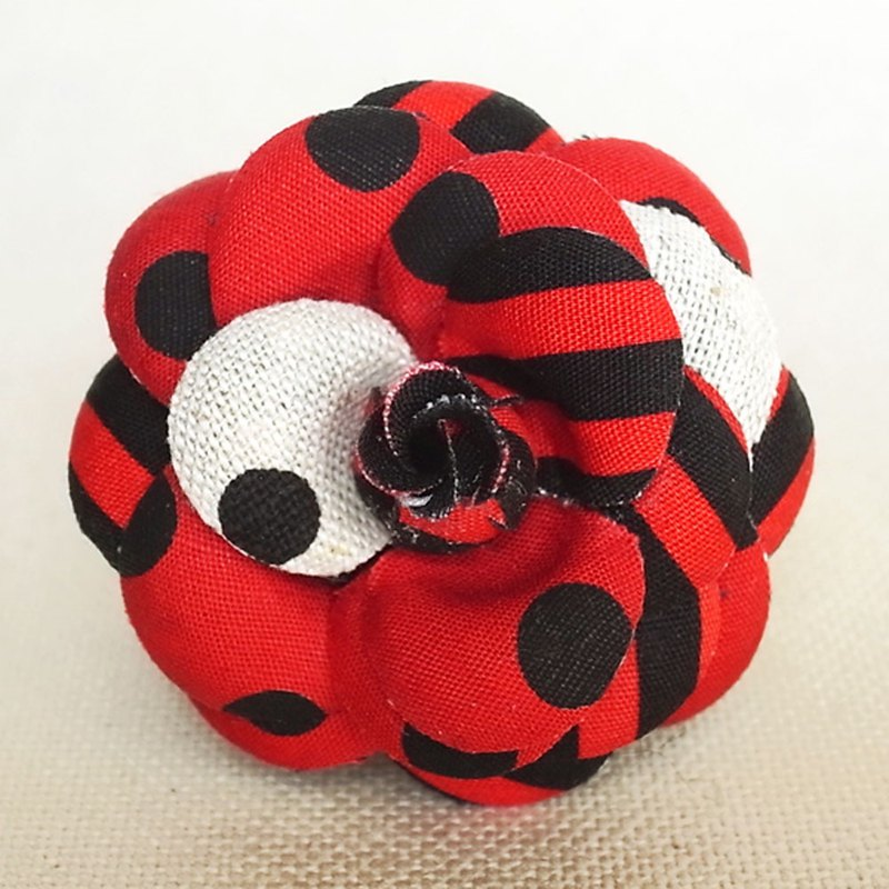 Brooch Red Dots Borders Stripes Mini Heroine