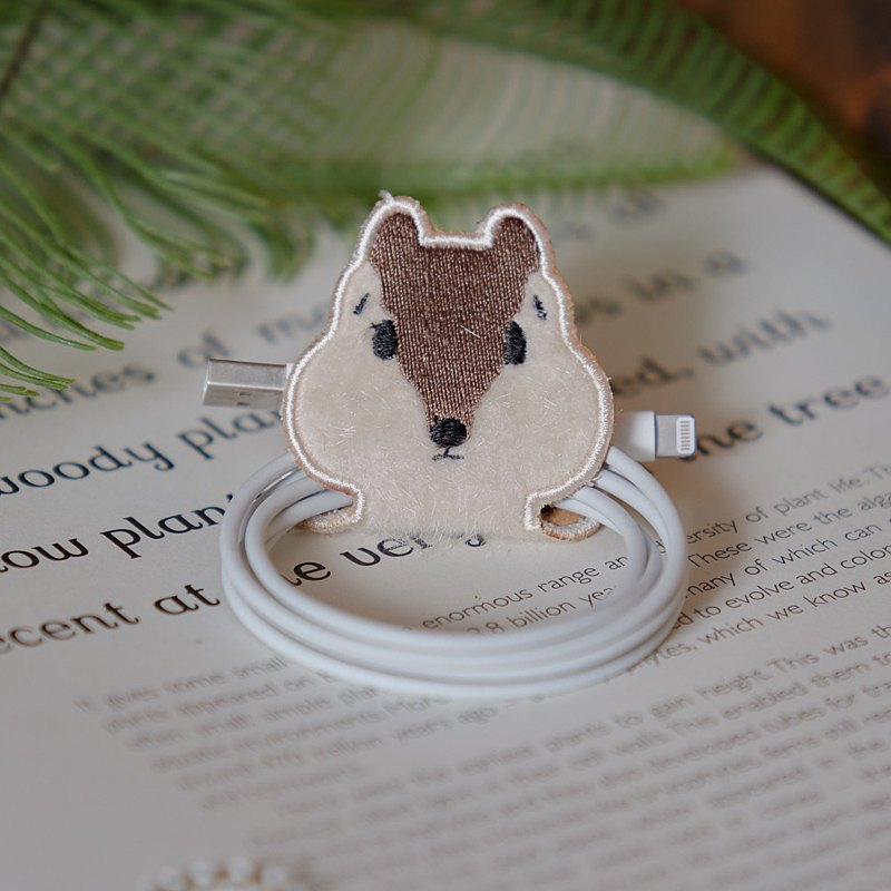 Squirrel Earphone organizer/ Cable holder /松鼠電纜組織者