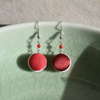 Satin red earrings / ear clips x Morandi