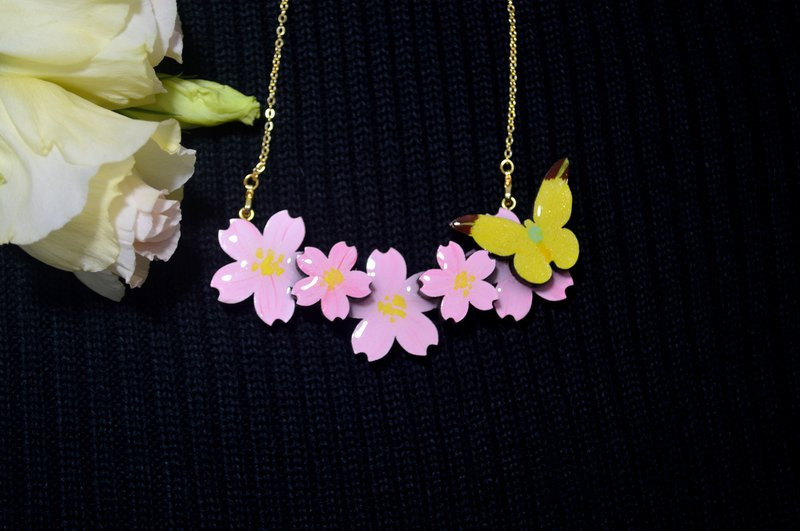 Sakura and lemon yellow butterfly sakura butterfly shape necklace hand painted wooden