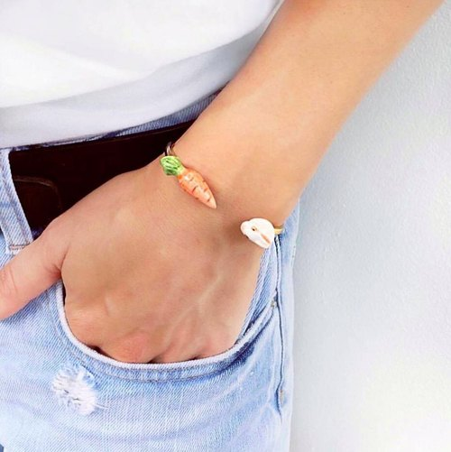 Bunny and carrot face to face bracelet