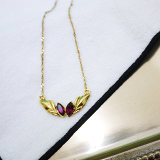 Retro dazzling red bird of paradise necklace