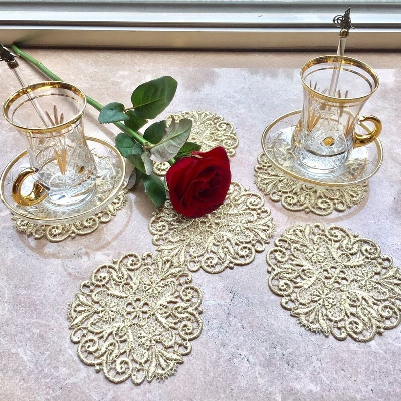 PUREST HOME 精緻蕾絲杯墊組 (六入) Embroidery Cup Mat - LC17002E(Gold)|華麗下午茶.居家美學.新居落成送禮、自用首選|