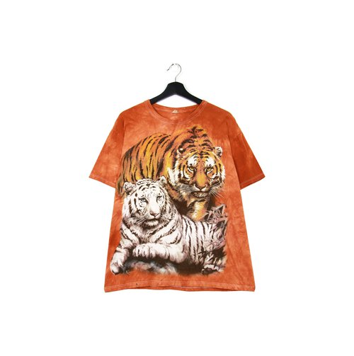 Back to Green: Hand-dyed orange tiger men and women can wear vintage t-shirt