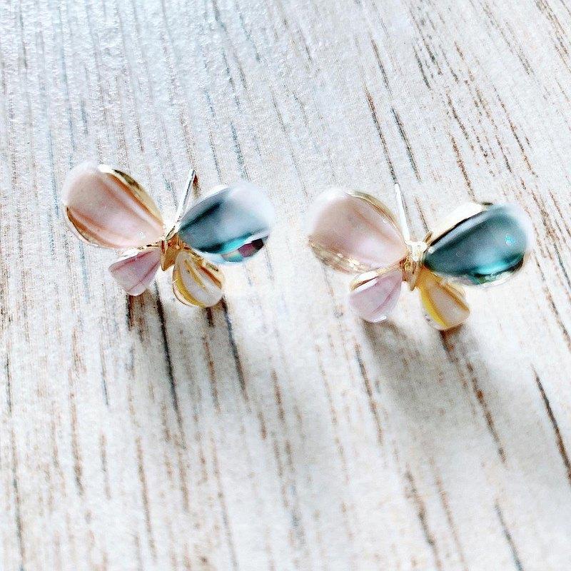 粉色蝴蝶耳針耳環