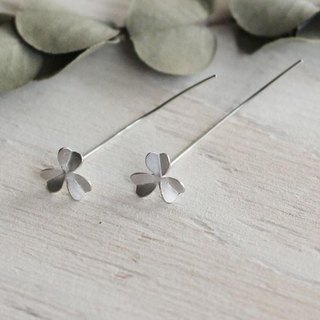 sv925 oxalis leaf earrings