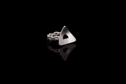 Silver ring geometry triangle