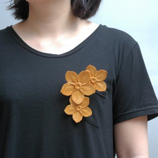 Wooden Forget me not Brooch Mother's Day Mother Flower wood