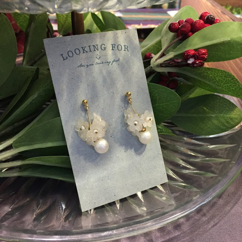 Earrings - Pearl Flower, Cotton Pearl