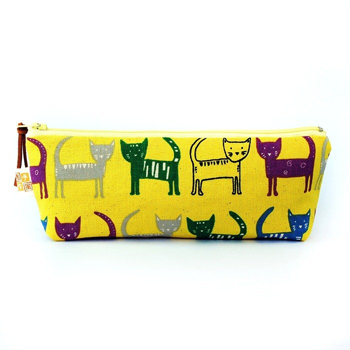 Color cat _ yellow wide-bottomed pencil case