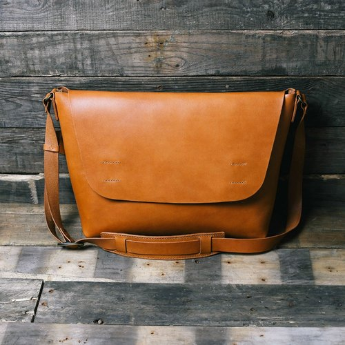 Dwarf Messenger Bag - M