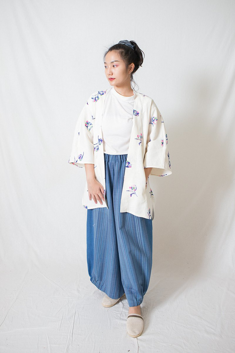 Floral embroidered linen robe
