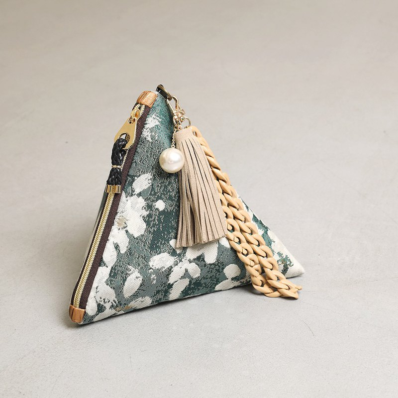 Gypsophila triangular clutch pouch bag