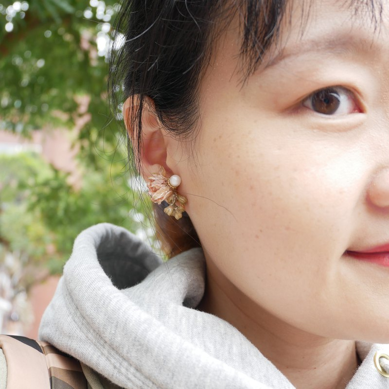 【ワークショップ】Real flower asymmetrical earrings hand experience (ear pin / ear clip are available) Only this one!