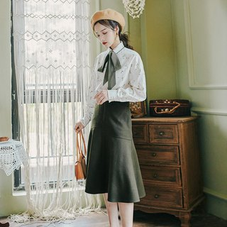 [Special offer] early autumn new shirt skirt suit [shirt (white) + skirt (green)]