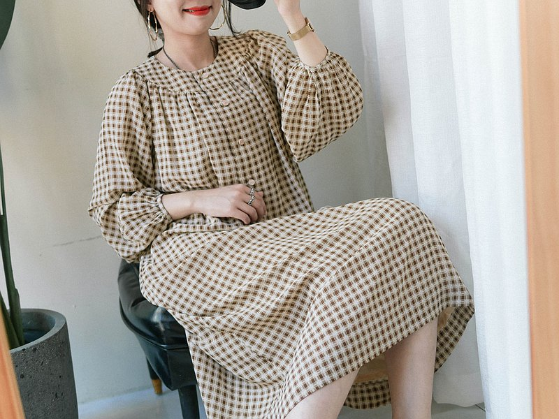Kagawa goose khaki fine plaid loose handkerchief antique silk-spinning dress