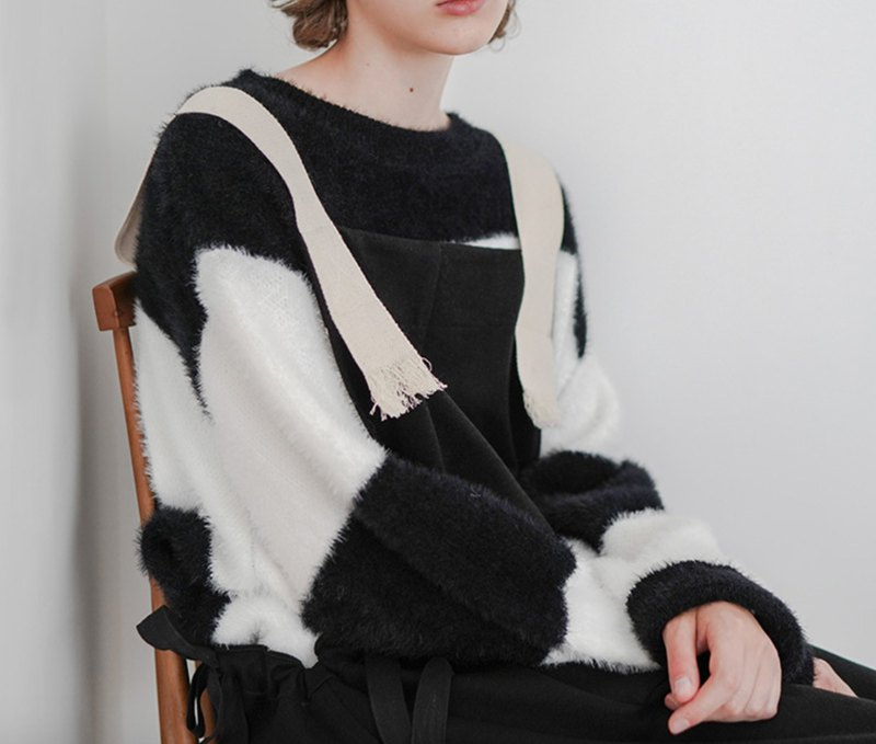 Black and white striped long sleeve sweater - imakokoni