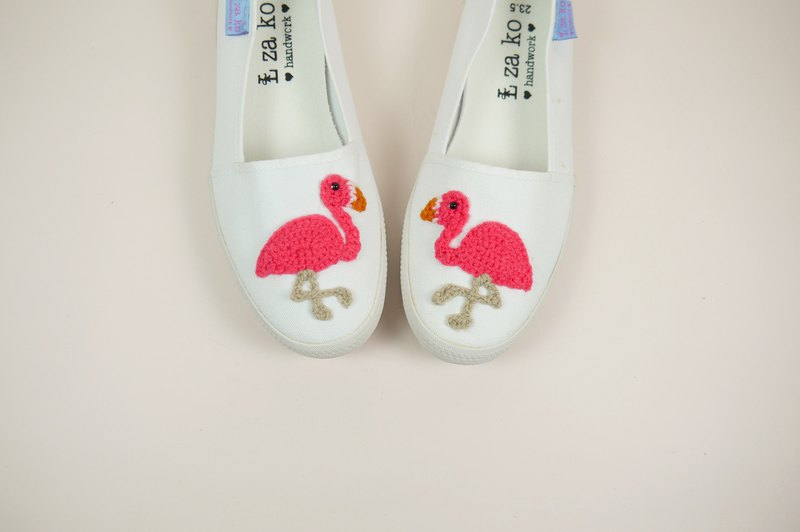 White cotton canvas hand made shoes, red crane models, no weaving