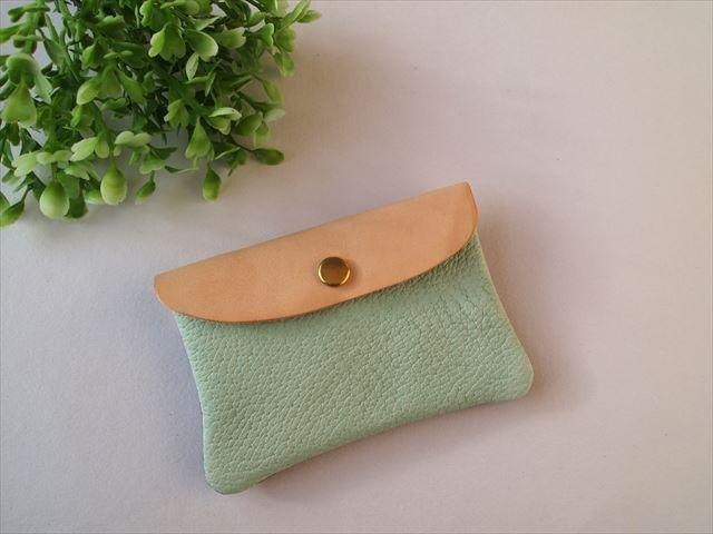 [Pale blue green × purple] pig leather soft card case [MTO] Leather Pass Case