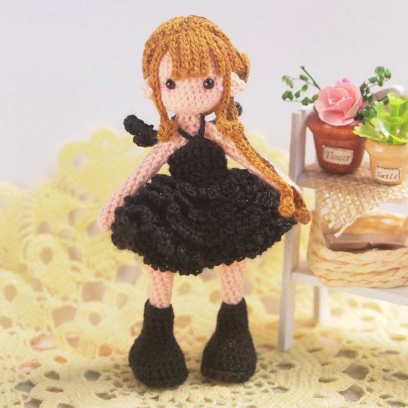 鉤針娃娃/ amigurumi /鑰匙鏈/黑暗天使女孩/玩偶【接單訂製】